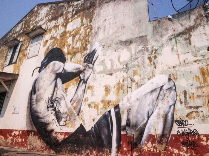 สตรีทอาร์ตชื่อภาพ นักสู้ วาดโดย Ceno2 ศิลปินประเทศสิงคโปร์