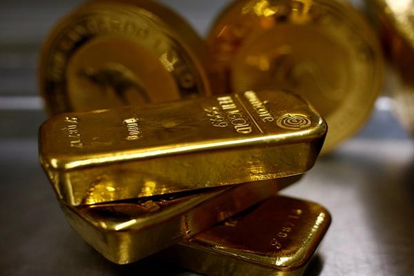 """ระหว่าง """"เงิน""""(ดอลลาร์)กับ """"ทอง"""""""