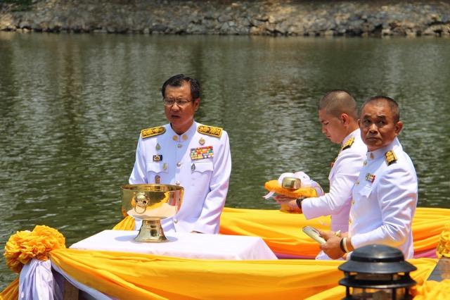 ราชบุรี-กาญจนบุรี ประกอบพลีกรรมตักน้ำศักดิ์สิทธิ์