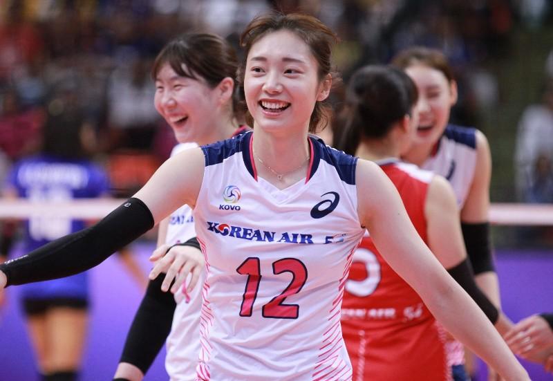 จัดเต็ม! ภาพชุดตบสาวเกาหลี ส่งท้ายศึกซูเปอร์แมตซ์