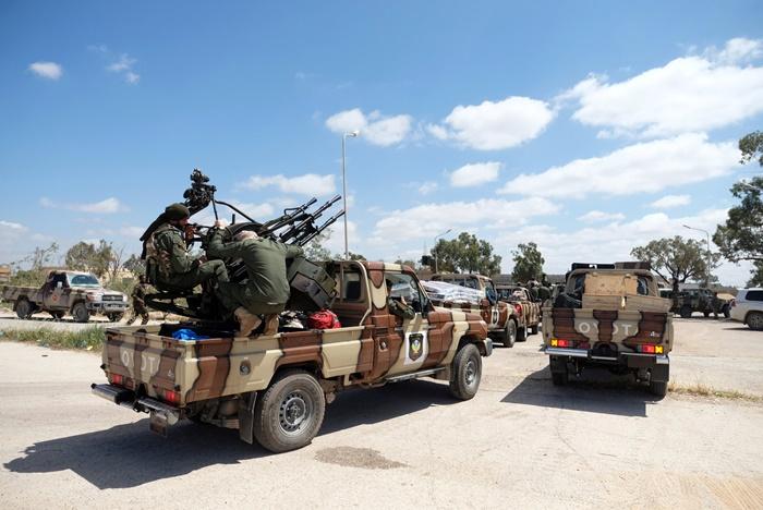 ศึกชิง'เมืองหลวงลิเบีย'ทวีความดุเดือดรุนแรง  อเมริกันอพยพทหารส่วนหนึ่งออกไปแล้ว