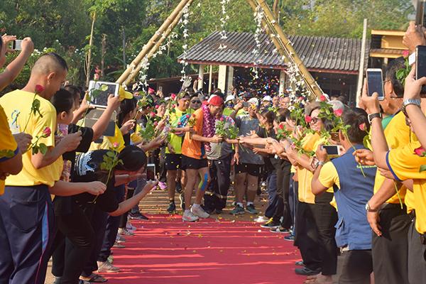 """ครูณัฐ""""  เผย กิจกรรมวิ่งระดมทุนยังไม่จบ หลังสงกรานต์เจอกันที่สังขละบุรี"""