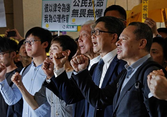 ศาลฮ่องกงฟันแกนนำ'ขบวนการร่ม'  ผิดจริงฐานก่อกวนความสงบสุข เสี่ยงติดคุกถึง7ปี