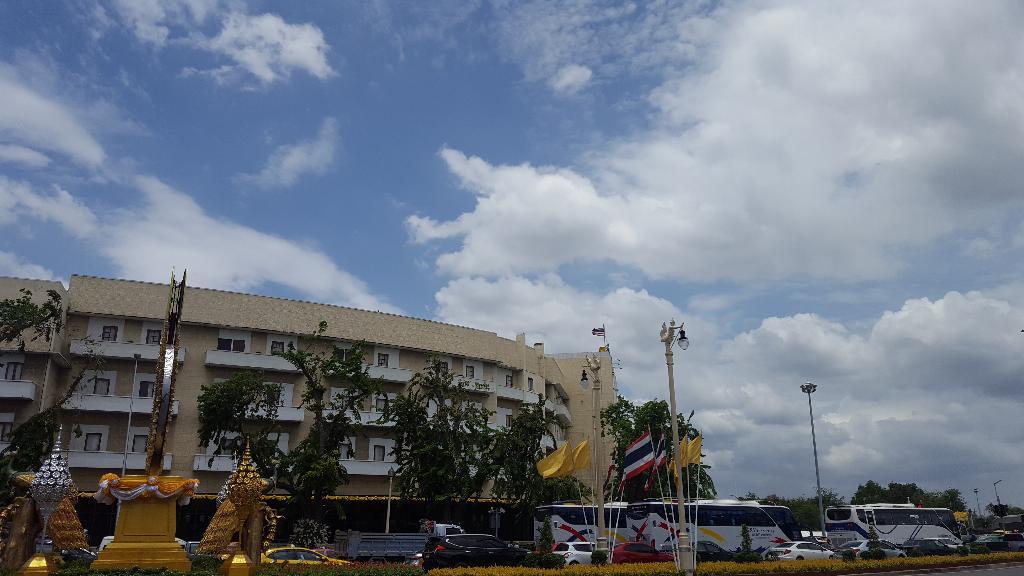 กรมอุตุฯ เผย ไทยตอนบนมีอากาศร้อนถึงร้อนจัด ฝนฟ้าคะนองบางแห่ง กทม. อุณหภูมิสูงสุด 34-39 องศาเซลเซียส