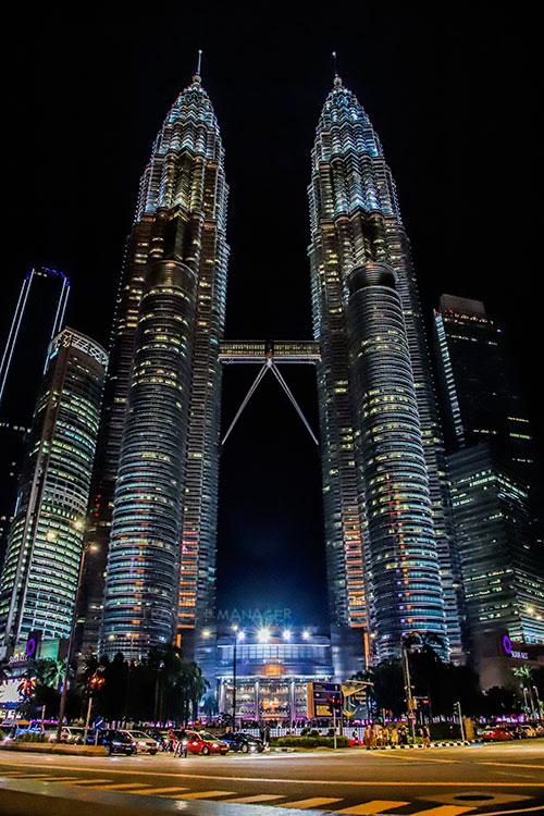 ตึกแฝดที่สูงที่สุดในโลก