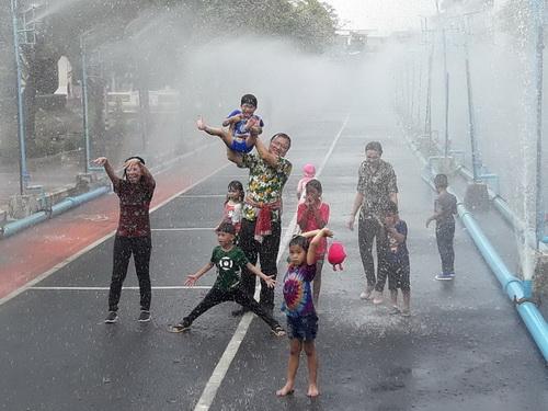 นครอุบลฯพร้อมเปิดถนนดอกไม้ฯสาดน้ำสงกรานต์ปลอดภัย