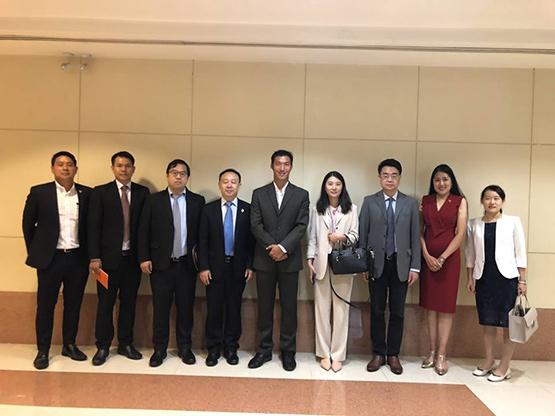 คณะผู้แทนกระทรวงวิเทศสัมพันธ์แห่งคณะกรรมการกลางพรรคคอมมิวนิสต์ แห่งประเทศจีน เข้าเยี่ยมหารือ ณ ที่ทำการพรรคอนาคตใหม่ เมื่อวันที่ 9 เม.ย.62