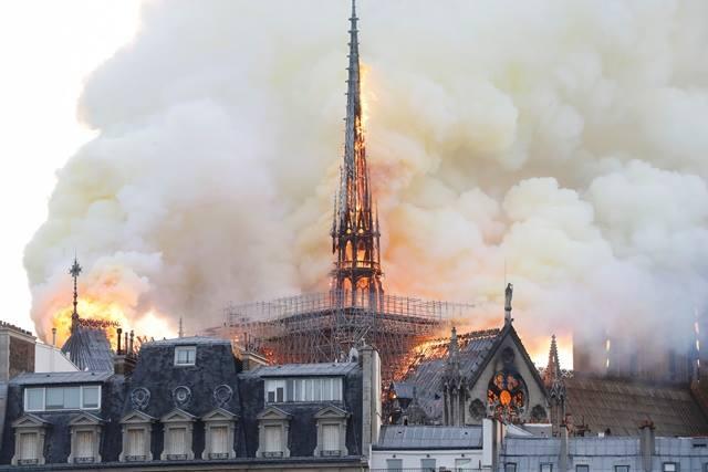 อย่าเสียขวัญ ; เราจะสร้าง Notre Dame ขึ้นมาใหม่