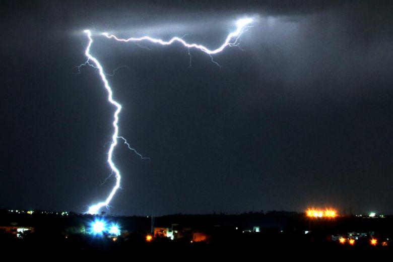 พายุฟ้าคะนองคร่า 35 ชีวิตในอินเดีย สร้างความเสียหายวงกว้าง