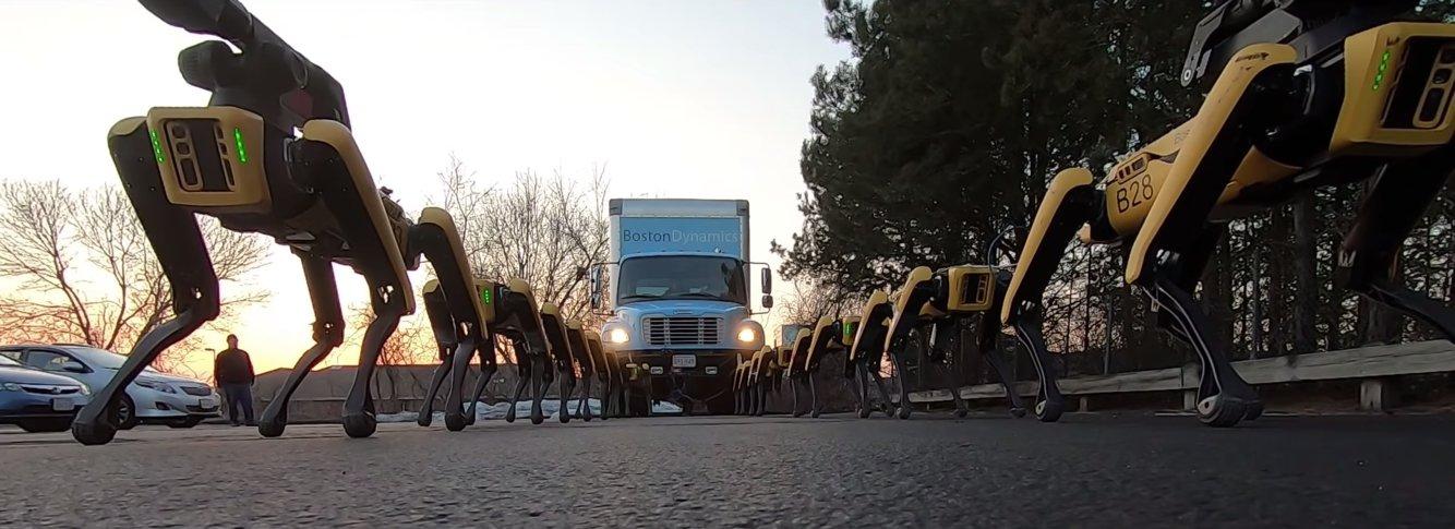 ทีมหุ่นยนต์เจ้าตูบ Boston Dynamics ดึงรถบรรทุกเคลื่อนไม่มีสะดุด (ชมคลิป)