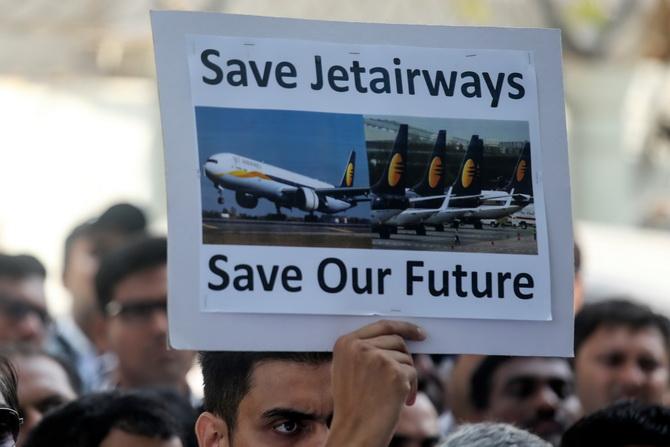 สายการบิน'เจ็ทแอร์เวย์ส'ระงับทุกปฏิบัติการ เสี่ยงล้มละลายหลังหนี้ท่วม3.8หมื่นล้าน