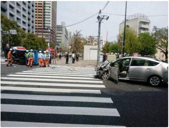 รถชนสนั่นโตเกียว 2 แม่ลูกสังเวยชีวิต บาดเจ็บกว่า10 ราย (ชมคลิป)