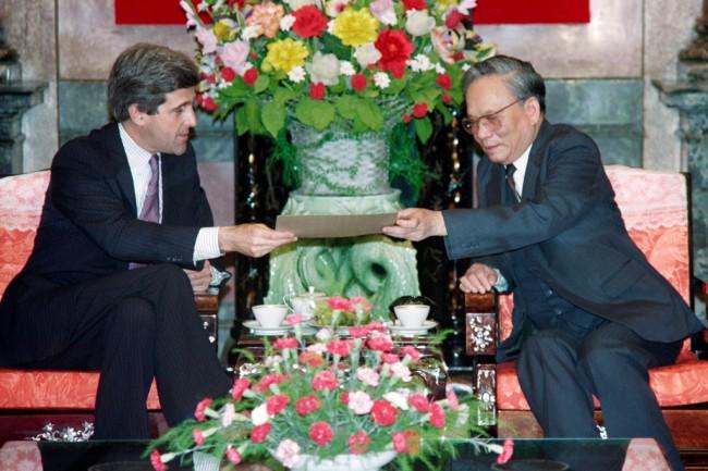 """""""เล ดึ๊ก แองห์"""" อดีตผู้นำเวียดนามขับไล่เขมรแดงถึงแก่อสัญกรรมในวัย 99 ปี"""
