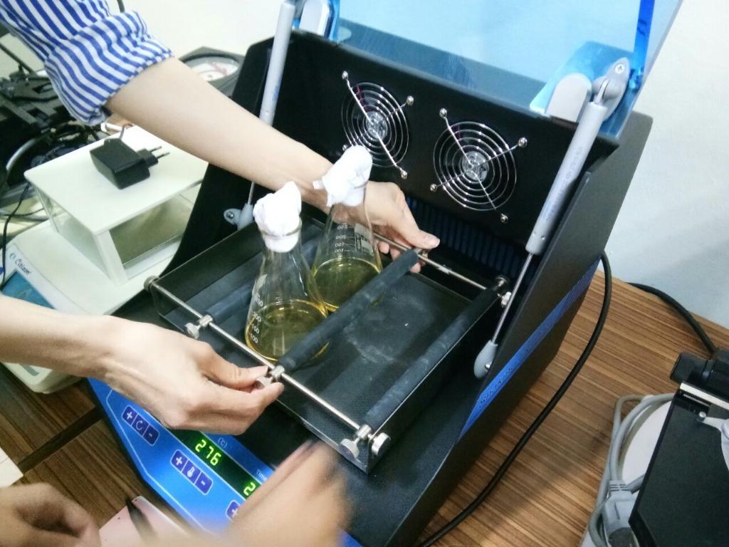 การทดลองแบคทีเรียเดกซ์ทรานเพื่อลดการไหลของน้ำในดินอย่างยั่งยืน