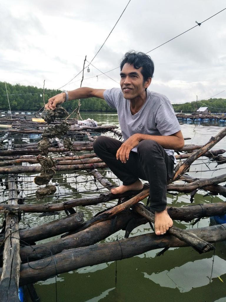 """เยือน """"เกาะเคี่ยมใต้"""" แหล่งหอยใหญ่กว่าที่ใดในไทย"""