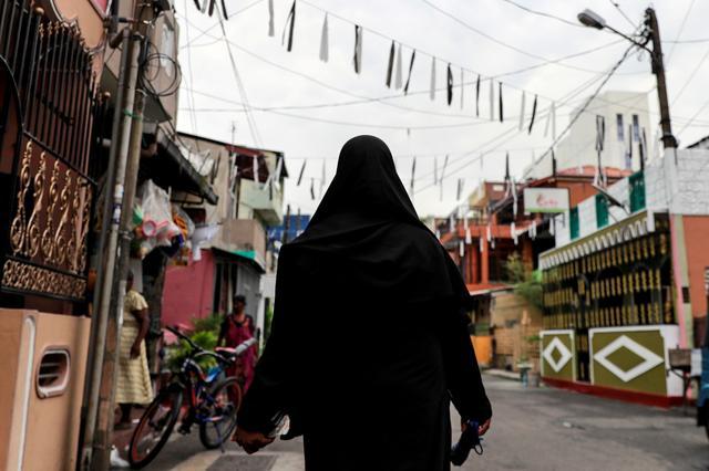 ศรีลังกาประกาศห้ามสตรีมุสลิมปิดบังใบหน้า หวั่นเจอก่อการร้ายอีก