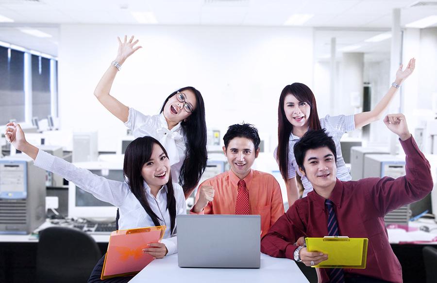 """6 วิธีเติมพลัง """"วัยทำงาน"""" ฝ่าฟันอุปสรรค ห่วงทำงานเกิน 50 ชม./สัปดาห์ เสี่ยงเครียด"""