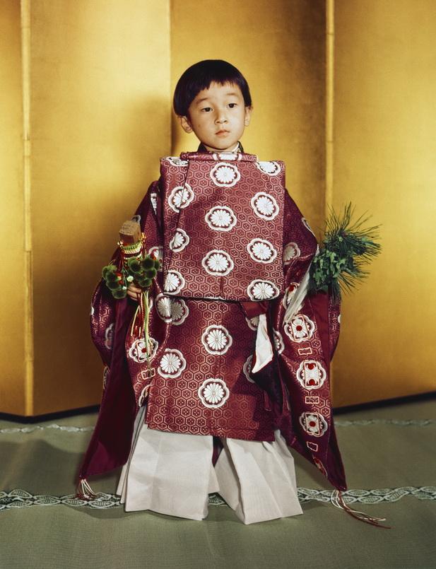 เจ้าฟ้าชายนารูฮิโตะขณะมีพระชนมายุได้ 5 พรรษาเมื่อปี 1964