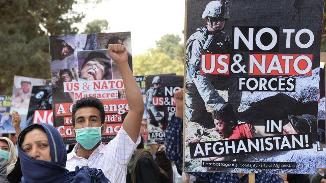 """ทูตพิเศษสหรัฐฯ บอก อเมริกาพร้อมวางอาวุธร่วมกับ """"ทุกฝ่าย"""" ในสงครามอัฟกัน"""