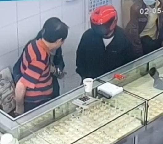 """หัวโจกปล้นร้านของหลุดจำนำ """"ศิริชัย""""หมดอิสรภาพ ล่าเพื่อนร่วมแก๊งอีก 2"""
