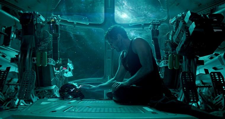 Avengers: Endgame โกยทะลุ 2,000 ล้านเหรียญฯ ทำเงินแซง Titanic แล้ว
