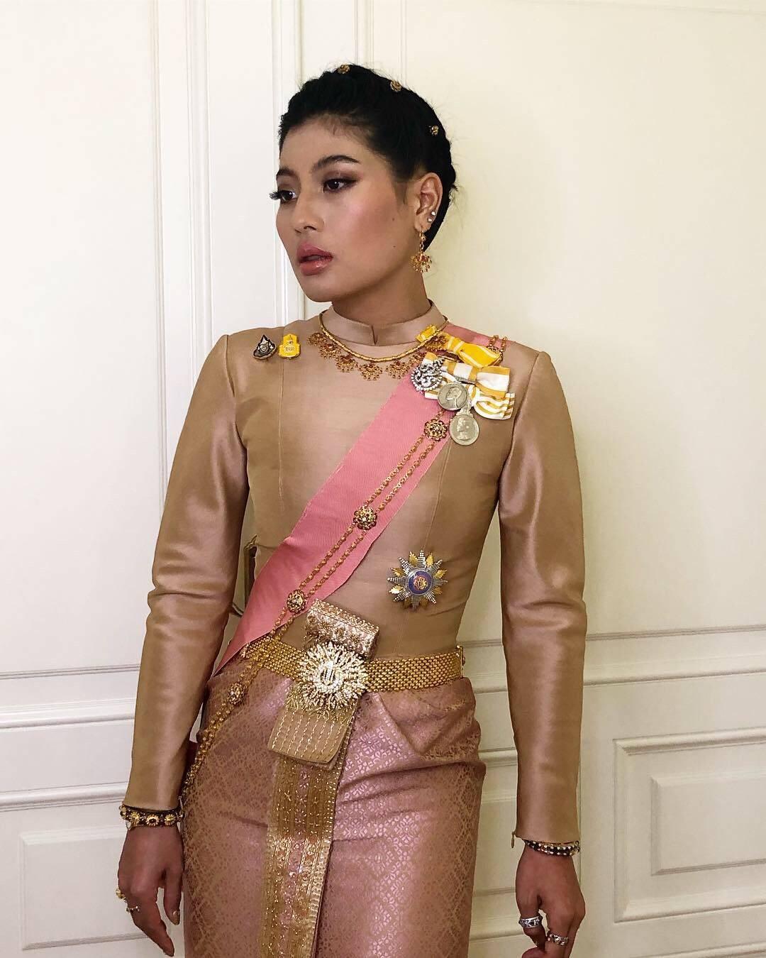 """""""เจ้าหญิงแฟชั่นนิสต้า"""" รวมฉลองพระองค์ชุดไทย 7 ชุด เจ้าฟ้าสิริวัณณวรีฯ ในการพระราชพิธีบรมราชาภิเษก"""