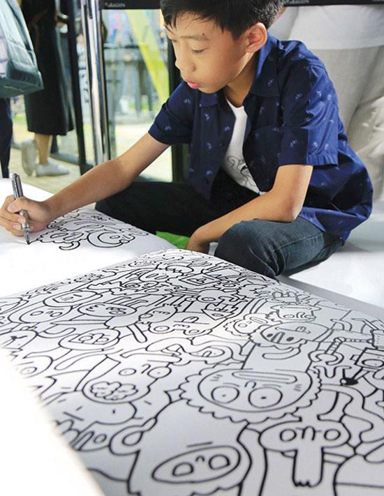 ด.ช.นัทพล โกมลารชุน (กาโม่) อายุ 14 ปี ศึกษาอยู่ชั้นมัธยมศึกษาปีที่ 2  โรงเรียนสาธิตจุฬาลงกรณ์ ฝ่ายมัธยม กรุงเทพฯ