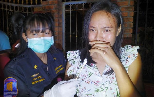หนุ่มนครพนมเมาแล้วซิ่งเก๋งกลับบ้านพุ่งชนจยย.ผัวต่างชาติดับเมียไทยสาหัส