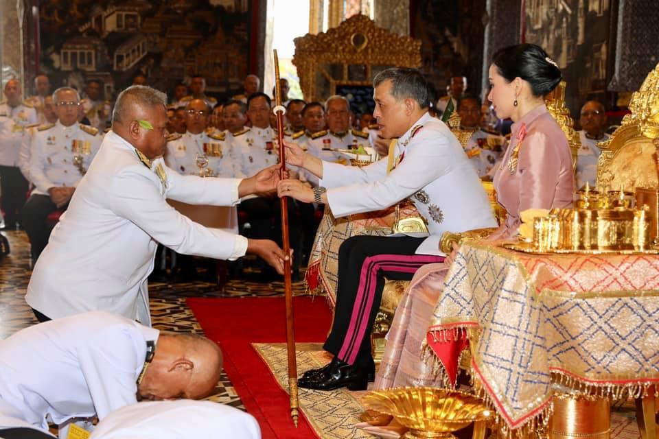 ในหลวง-พระราชินี เสด็จฯในการพระราชพิธีพืชมงคลจรดพระนังคัลแรกนาขวัญ