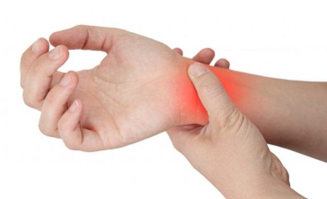 การผ่าตัดส่องกล้องรักษาอาการบาดเจ็บข้อมือ