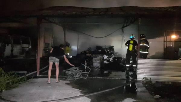 ไฟไหม้บ้านเถ้าแก่อดีตเจ้าของร้านวัสดุก่อสร้างกลางเชียงใหม่ รถ-โกดังเก็บของวอดทั้งหลัง