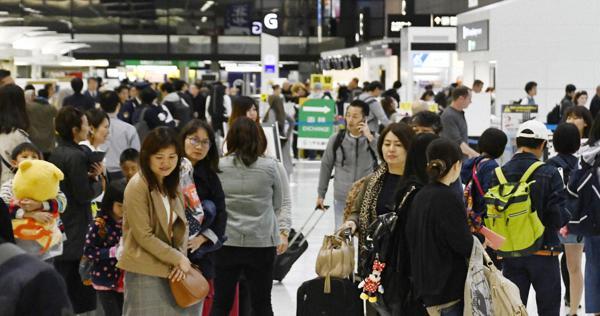 ยอดผู้เดินทางผ่านสนามบินนาริตะสูงเป็นประวัติการณ์ในช่วงวันหยุดโกลเด้นวีค