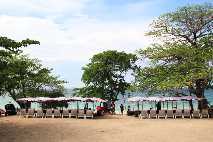 แวะพักที่หาดนวล