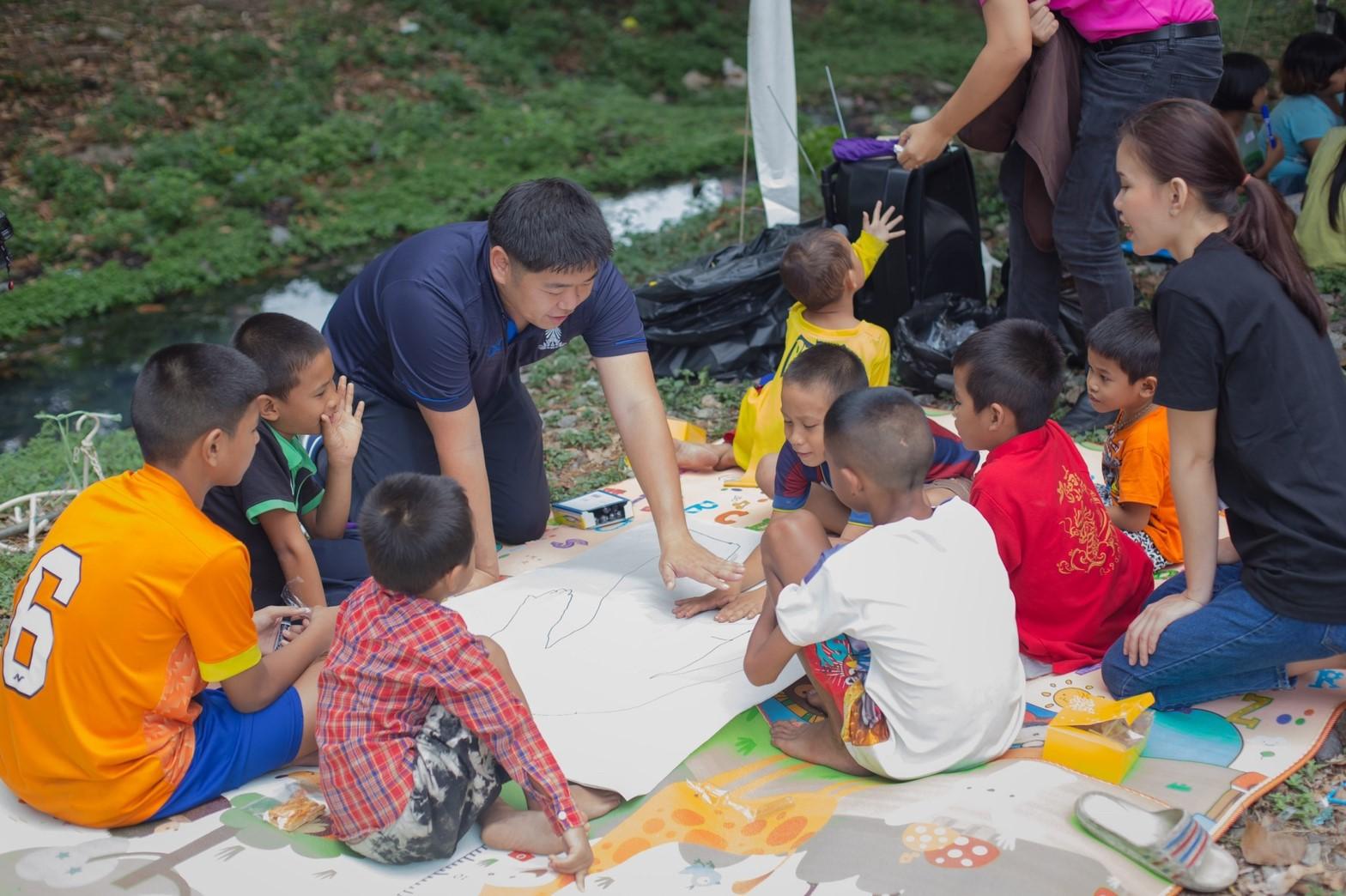 6 หน่วยงานจับมือช่วยเด็กชุมชนริมทางรถไฟเข้าสู่ระบบการศึกษา