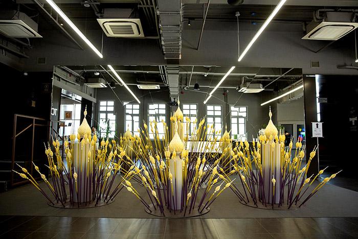 """งามเลอค่า """"มาลัยตุ้ม"""" งานคราฟต์สุดวิจิตร ศิลปะจัดวางเฉลิมพระเกียรติ ร.๑๐ ชมฟรีที่ TCDC กรุงเทพฯ"""