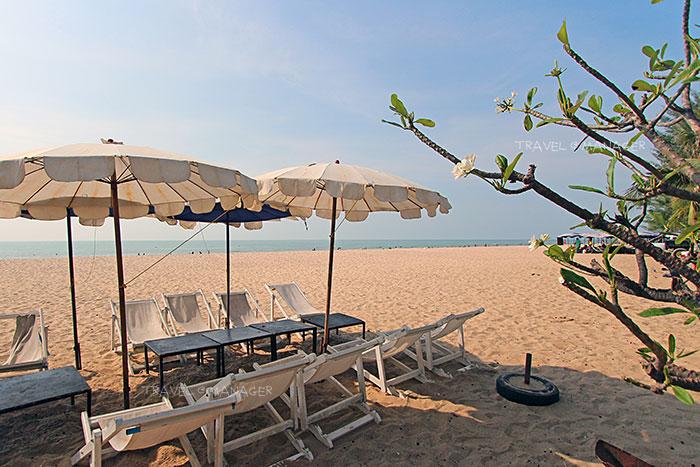 """""""หาดชะอำ"""" ชายหาดขึ้นชื่อยอดนิยมของคนไทย"""