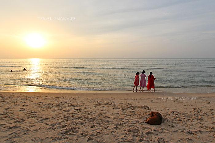 เดินชมพระอาทิตย์ขึ้นที่หาดชะอำยามเช้า