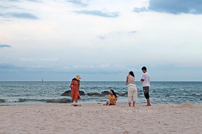 หามุมถ่ายรูปสนุกสนานที่หาดหัวหิน