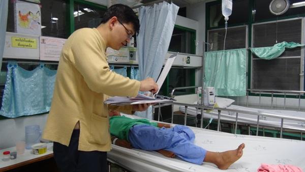 โล่งอก!ผู้ป่วยชาวน่าน 19 รายปลอดภัยแล้ว หลังเปิบหมูดิบถูกหามส่ง รพ.กะทันหัน