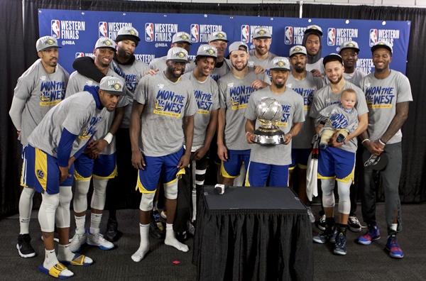 """""""วอร์ริเออร์ส"""" ชิง NBA 5 สมัยรวด เพื่อนยังลุ้น """"เคดี"""" หายเจ็บ"""