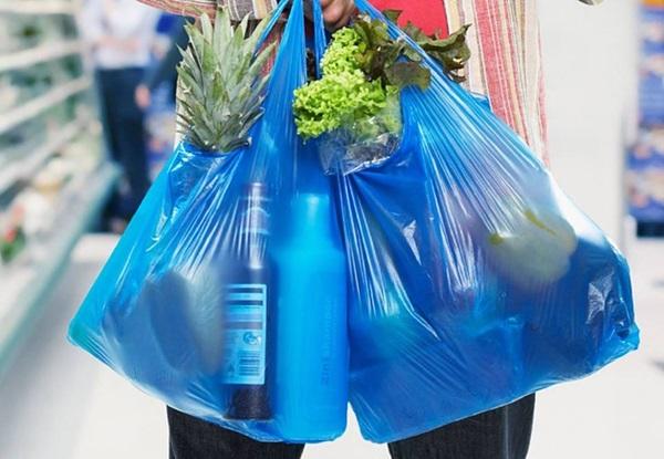 """อังกฤษ งัดมาตรการพิฆาต """"ถุงหูหิ้วพลาสติก"""" ต้นปี 2020 จะเก็บเงินค่าถุงเพิ่มเป็นสองเท่าตัว"""
