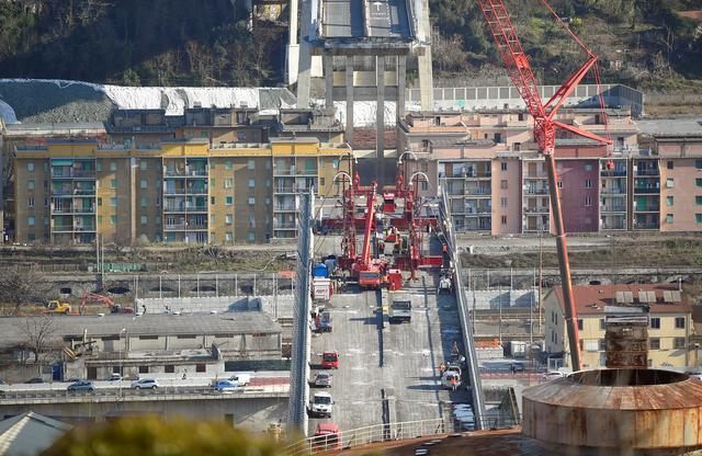 การก่อสร้างสะพานที่พังถล่มในเจนัว คาดจะเสร็จสิ้นในเดือนเมษายน 2020