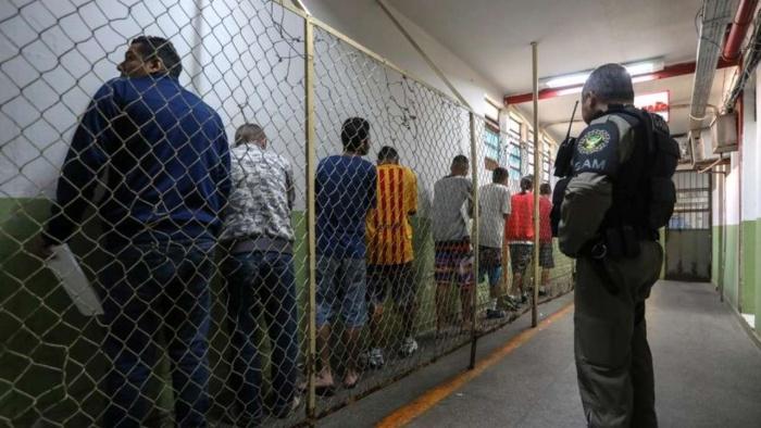 นักโทษตีกันเละในเรือนจำบราซิล ตาย 15 ศพ