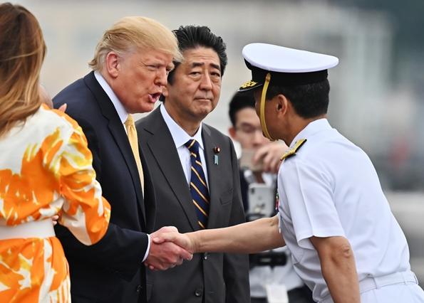 """""""ทรัมป์คาด """"กองทัพในญี่ปุ่น"""" จะเสริมความแข็งแกร่งของสหรัฐฯในเอเชีย"""