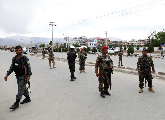 คนร้ายระเบิดฆ่าตัวตายที่ทางเข้าศูนย์ฝึกทหารอัฟกัน ตายอย่างน้อย 6 ศพ