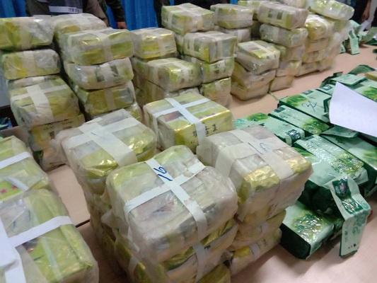 นรข.สนธิกำลังยึดยาไอซ์ลอตใหญ่มูลค่ากว่า 200 ล้านบาท เผยขนจากพม่าเข้าอีสานส่งภาคใต้