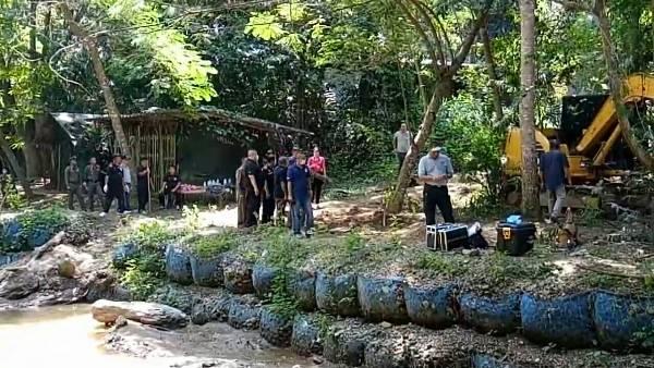 ศาลฯแพร่พิพากษาประหารชีวิต 3 มือฆ่าแล้วฝังฝรั่งกับภรรยาสาวไทย คุก 25 ปีอีก 1