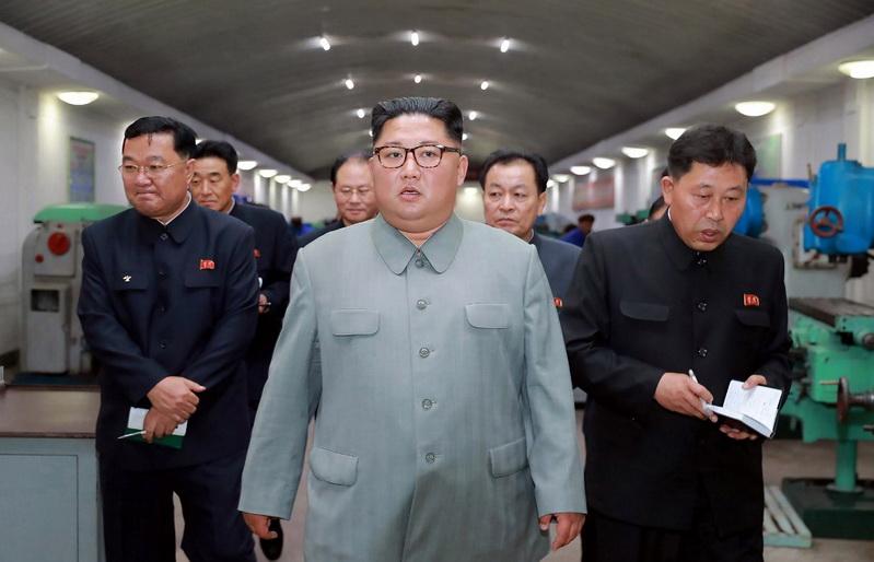 นักวิเคราะห์แฉ 'คิมจองอึน' ตรวจเยี่ยมโรงงานผลิตแท่นยิงขีปนาวุธ