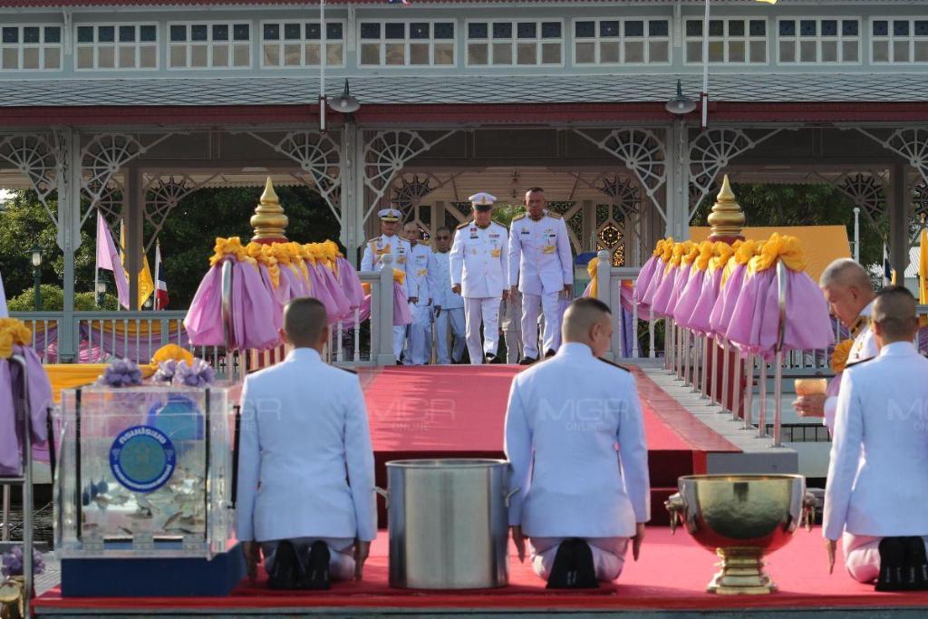 ในหลวง โปรดเกล้าฯ ผู้แทนพระองค์บำเพ็ญกุศลวันเฉลิมพระชนมพรรษา สมเด็จพระนางเจ้าฯ พระบรมราชินี