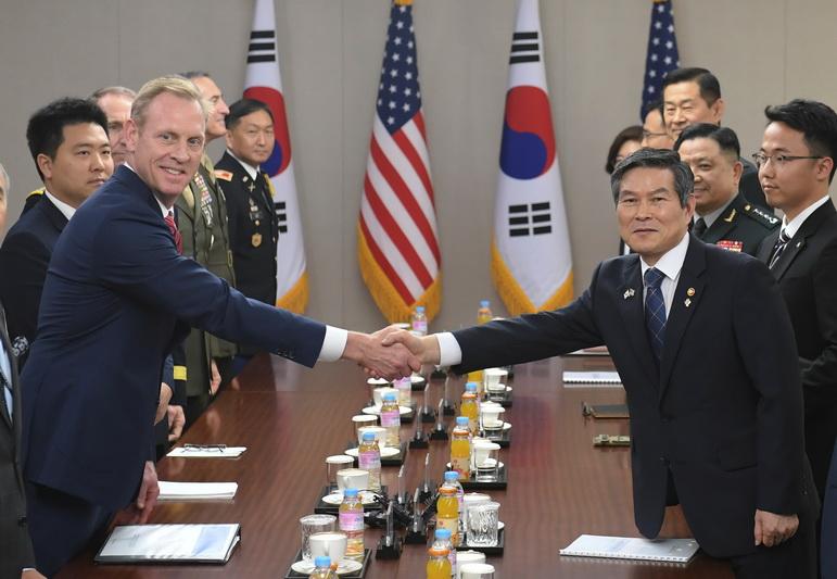 """บอสเพนตากอนระบุ """"ยังไม่จำเป็น"""" ต้องรื้อฟื้นการซ้อมรบร่วมกับเกาหลีใต้"""